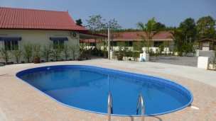 Swimming pool apartments from 399 baht per day 0868 592 986