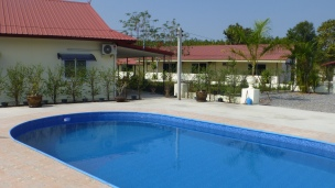 Swimming pool villas